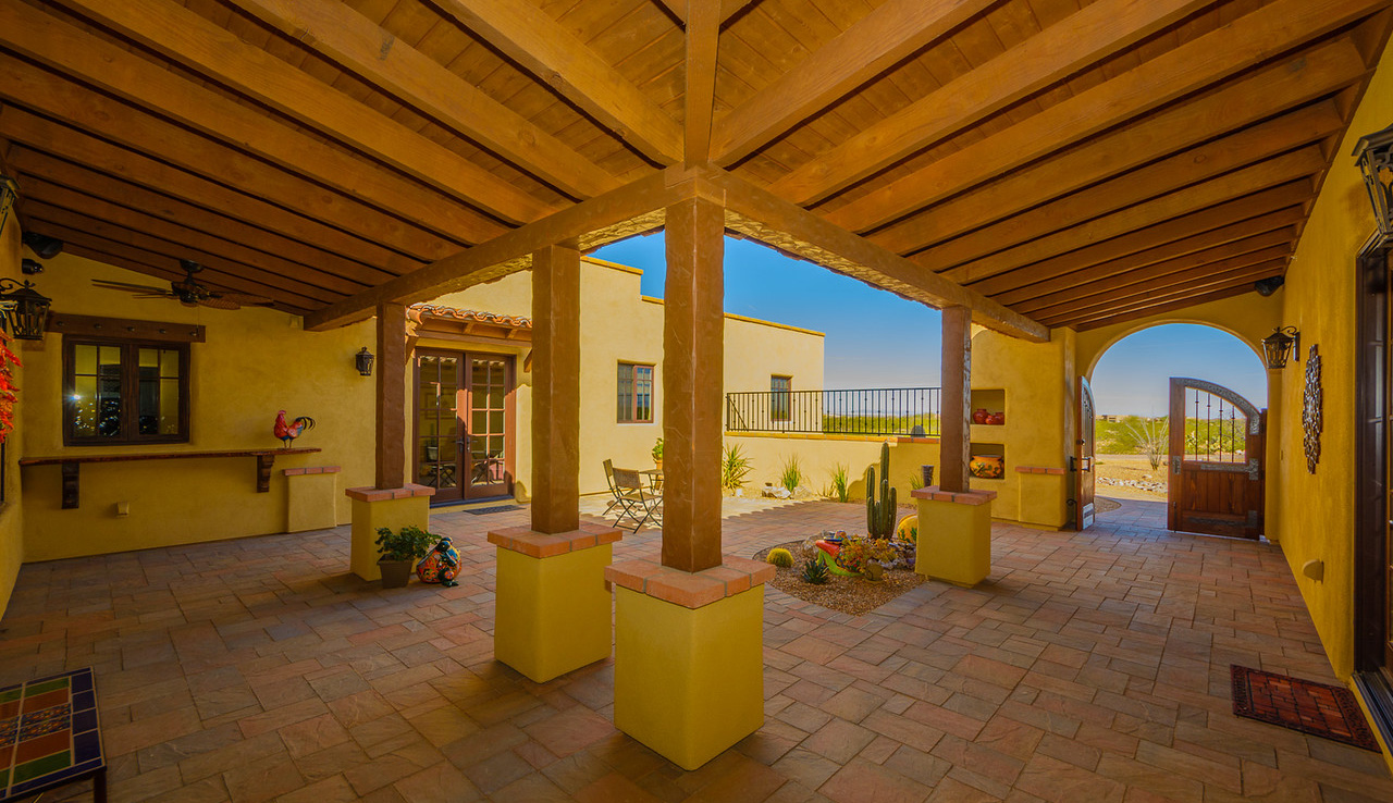 Morgan Brothers Custom Homes Hacienda: Courtyard