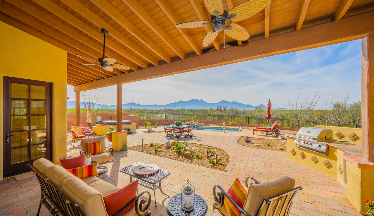 Morgan Brothers Custom Homes Hacienda: Patio